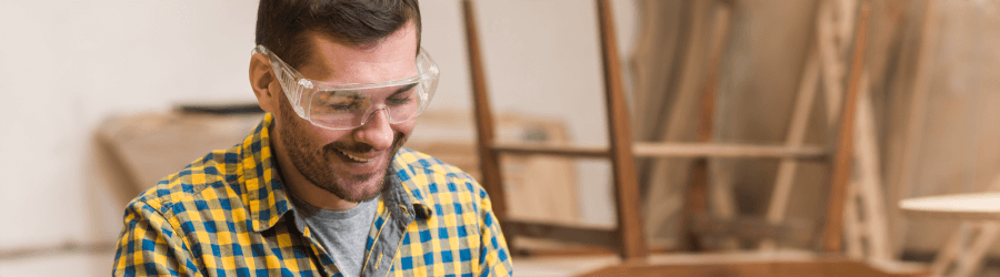 Quais os riscos que os óculos de proteção previnem?